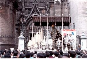 Traslado de la Virgen del Valle a la Catedral en 1990. Celebración del IV Centenario de la fusión de la Santa Faz y la Coronación