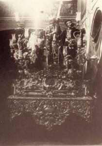 Paso de Nuestro Señor Jesucristo con la Cruz al Hombro entre 1898 y 1908, en el interior de la iglesia del Santo Ángel