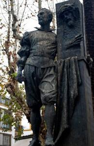 Monumento a Juan de Mesa en la Plaza de San Lorenzo de Sevilla
